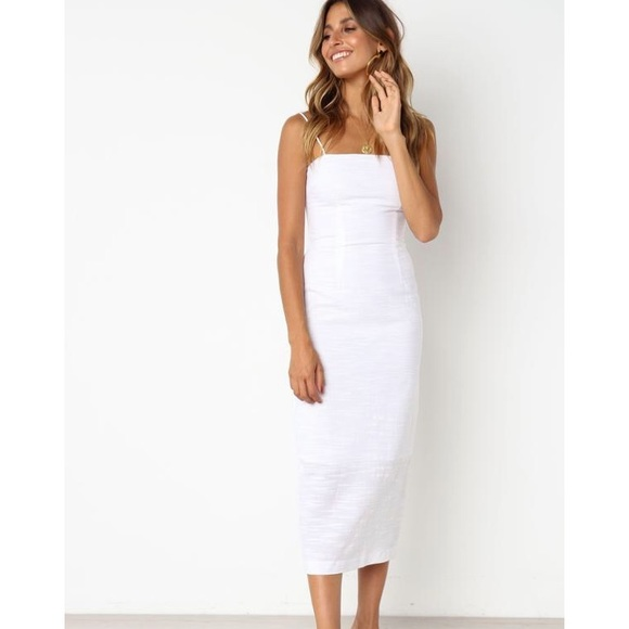 d73d10650881 White strappy midi dress. M 5cae1358264a5532cf47eaa1